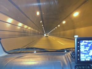 トンネルでの走行